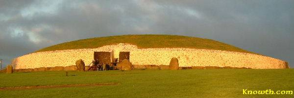 Winter solstice sun illuminates the mound at Newgrange